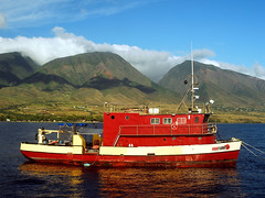 Red Boat in Maui (RUKnight) Tags: ocean red mountains beautiful hawaii boat nice gorgeous great maui excellent tropical redboats 222v2f
