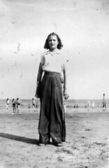 DGB-album02-180 (Paul-W) Tags: bw beach girl scanned 1945 dottie dorothea boehner