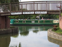 Milton Keynes Marina (crwilliams) Tags: marina boats canal miltonkeynes date:year=2005 date:month=september date:day=20 date:wday=tuesday date:hour=11