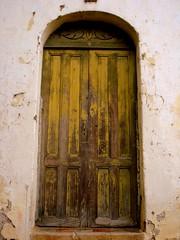 old door (Celina Morales) Tags: door old architecture casa arquitectura puerta pueblo vieja el salvador suchitoto