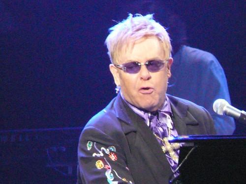Elton John Charleston - 18