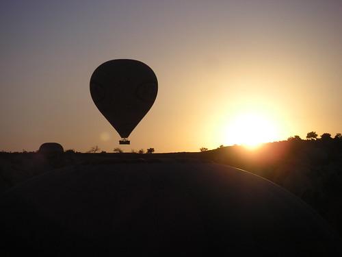 Surt el sol en globus