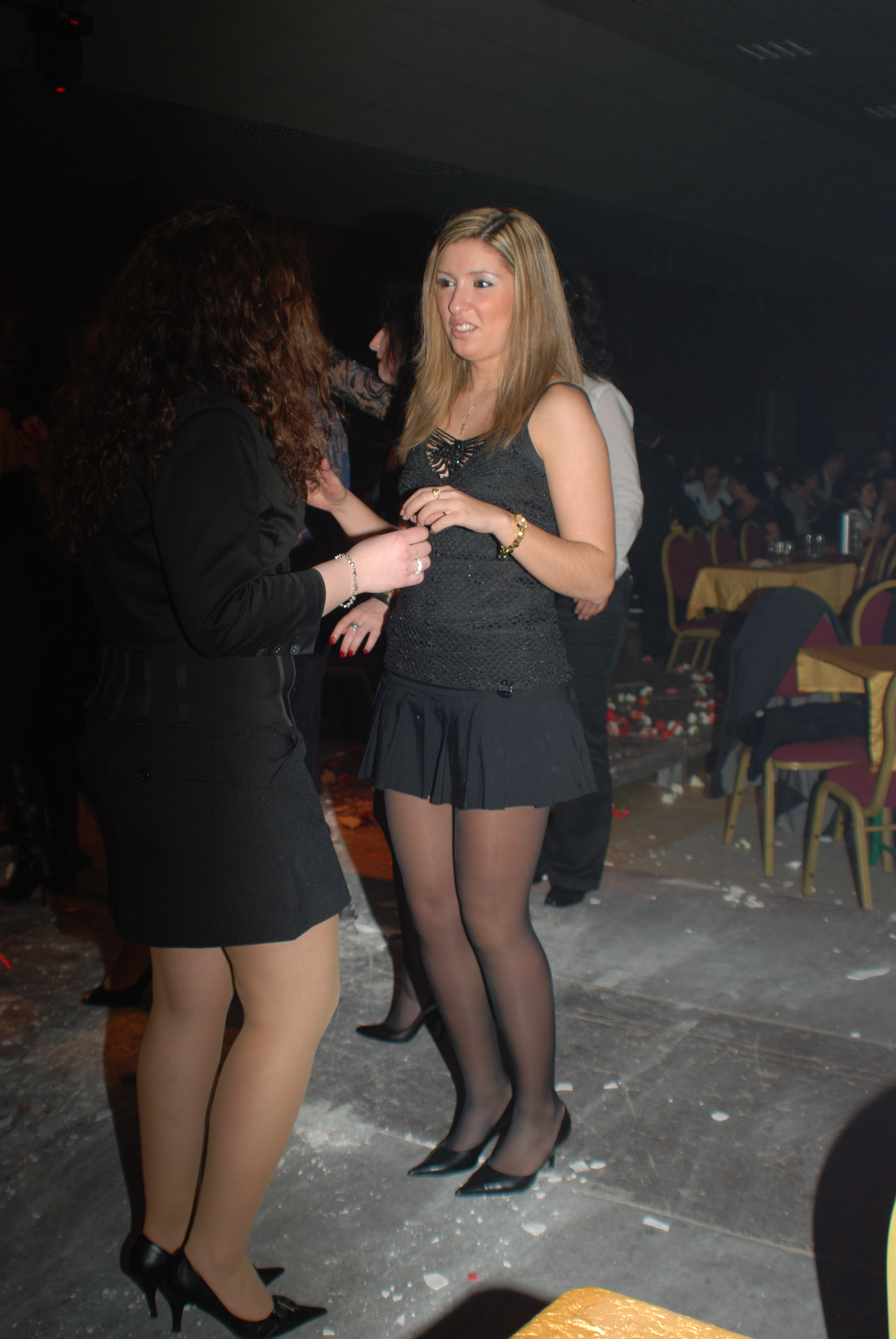 Upskirt Party girl quite think