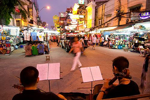 Live music on Thanon Khao San