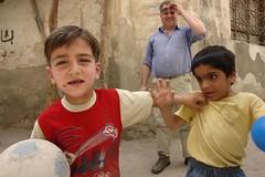 Street kids (CharlesFred) Tags: peace middleeast syria damascus hospitality damas siria honour  levant syrien syrie suriye  syrianarabrepublic  middenoost   shoufsyria    welovesyria aljumhriyyahalarabiyyahassriyyah siri