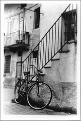 11 (: panti :) Tags: bw muro blackwhite bn finestra bici scala biancoenero ruota bicicletta finestre ruote ringhiera sfidaphotoamatori