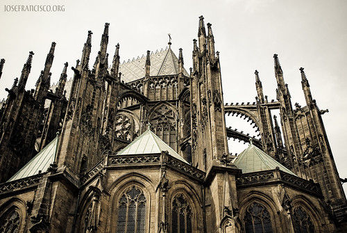 The Flying Buttress Was Developed Mostly During Gothic Period High And Late Medieval Times As A More Modern Method Of Supporting Massive Bulk