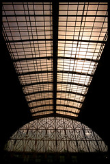 End of the line (archidave) Tags: roof light london station architecture iron steel great shed victorian engineering railway symmetry ceiling western symmetrical paddington vault thelawn trainshed terminus brunel gwr