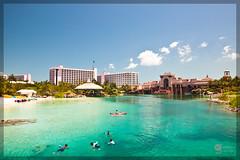 Atlantis: Paradise Lagoon, Beach & Coral Towers (adr!@n) Tags: vacation casino atlantis bahamas paradiseisland faved paradiselagoon canonef24105mmf4lisusm beachtower singhray coraltower canoneos5dmarkii varinduo