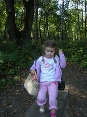 Bilder 087 (leica701) Tags: girls cute childhood kids maria daughter curly sss mdchen tochter kindheit scrubby putzig dlken locken prinzessin strubbelig vaterfreuden