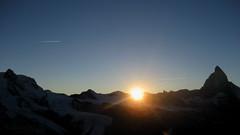 Matterhorn / Mont Cervin (VS/I - 4`478m) bei Zermatt , Kanton Wallis, Schweiz (chrchr_75) Tags: sunset sun mountain mountains alps nature berg landscape schweiz switzerland klein sonnenuntergang suisse hiking swiss natur berge gornergrat hiker zermatt matterhorn monte alpen christoph landschaft sonne mont 0710 wallis wandern valais 2007 wanderung cervin cervino montecervino kanton chrigu wanderwege montcervin chrchr kantonwallis hurni chrchr75 chriguhurni albumklettersteigzermatt2007 albumunterwegsindenwalliseralpen albummatterhorn