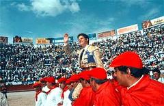 """""""El Juli"""" a hombros en Quito"""