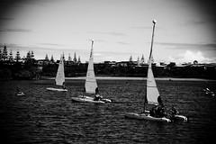 Boat Tunnel (Matt_Lew) Tags: white black sunshine canon boats eos coast is twin queensland waters usm 1785 efs novotel 40d