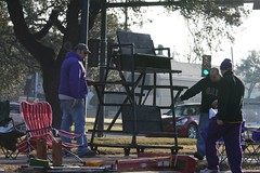 Endymion Crowds Get Ready for Return to Mid City Route (4)