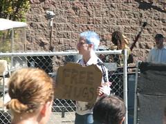 Free Hugs (hernandezfisher) Tags: seattle concert hug hipster free hugs concerts bumbershoot seattlecenter freehugs hipsterhunt bumbershoot2007