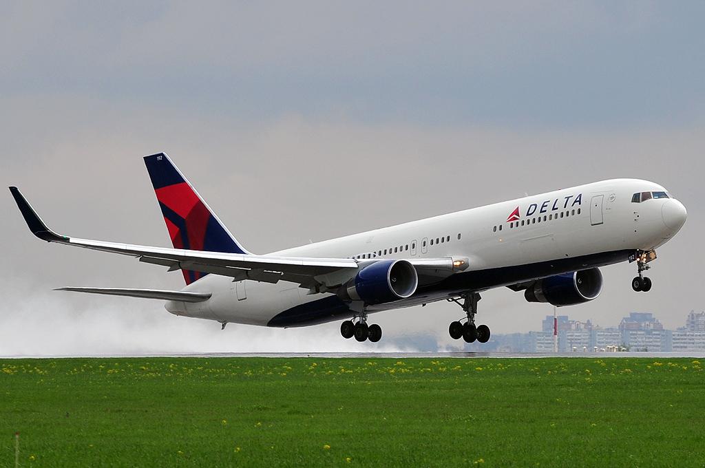 Delta Air Lines N192DN Boeing 767-332/ER