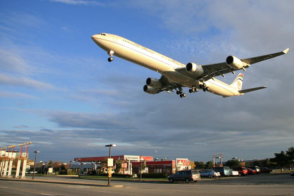 Etihad Airways 141