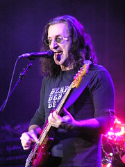 Rush (Geddy Lee) (Tux_On) Tags: milan live forum lee rush geddy geddylee alexlifeson neilpeart peart lifeson datch datchforum