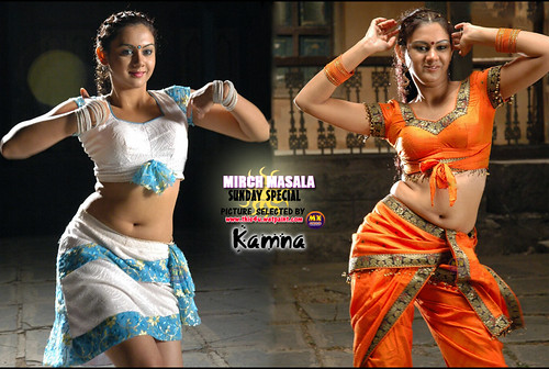 Dance poses of Kamna Jethmalani