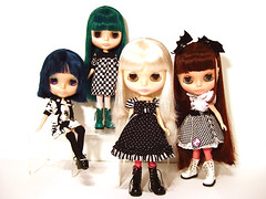 Family pics (hello-d) Tags: art la shoes doll tour dress princess ultimate anniversary attack sugar pam blythe limited mode diva darling takara mag cwc momolita ixtee riffragz