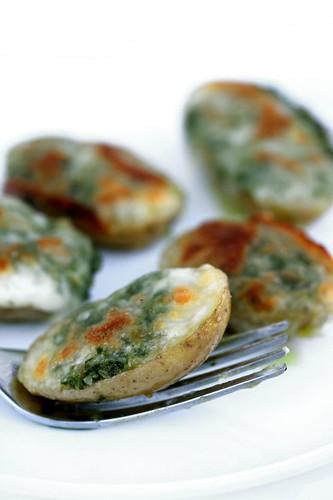 Patate con pesto di prezzemolo e mozzarella