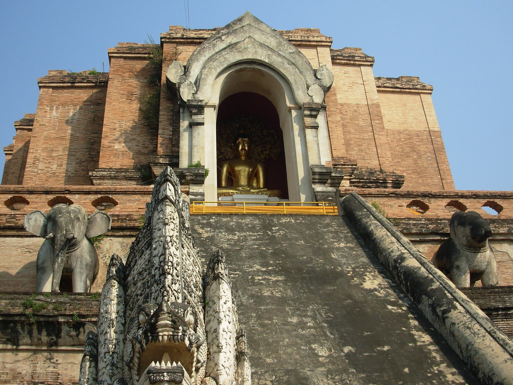 CM-W Chedi Luang (11)