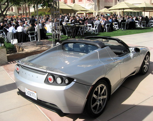 2249705558 518803f9a7 9 Reasons Your Next Car Should be an Electric Vehicle