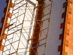 Andamios en la Capilla de Aranzaz - SLP Mxico 2008 2483 (Lucy Nieto) Tags: sunset orange lines mxico architecture atardecer arquitectura angles diagonal naranja lineas sanluispotosi sanluispotos ngulos obliquemind obliquamente