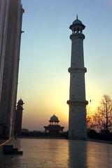 Taj Mahal minaret @ sunrise