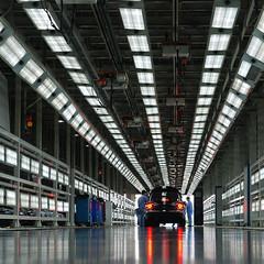VOLKSWAGEN (Mendelssohn.z) Tags: china light car asia shanghai workshop