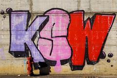 Graffiti urbani (robivet) Tags: urban color colors graffiti colore vivid viola rosso citt scritta linee scritte mywinners anawesomeshot colorphotoaward aplusphoto superbmasterpiece excellentphotographerawards colourartaward theperfectphotographer coloursplosion goldstaraward unlimitedphotos veterinarifotografi