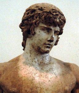 Escultura de Antinoo, Museo de Delfos, Grecia