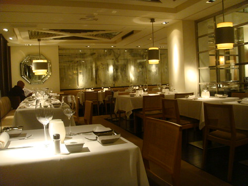 Detalle de mesas del restaurante