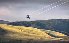 'MAD' Descent (benstaceyphotography) Tags: usaf usafe mcdonnelldouglas boeing f15e strike eagle fast jet wales landscape morning aircraft mud hen united states america raf royal air force lakenheath nikon aviation descent lowfly lowlevel lfa7 ribbons vortices panthers 494th fw fighter wing fs squadron 48th liberty