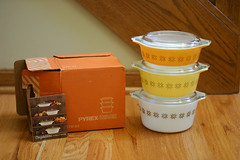 Town & Country Pyrex! (Jeni Baker | In Color Order) Tags: orange white kitchen yellow vintage town store country may casserole thrift bake 2009 pyrex serve kitchenware 471 bakeware thrifted 473 472 ovenware