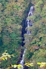 Sangai-Falls_03 (jenthero) Tags: autumn fall japan drive raw sightseeing waterfalls miyagi zao 2007 iphotooriginal apperture zaoecoline sangaifalls jenthero jennyblopez