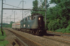ATK  GG1  915  near Baltimore MD  Jun 1978  19780600S-6 (Dick Leonhardt) Tags: amtrak gg1 prr