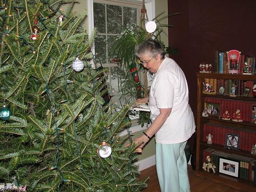mum decorating