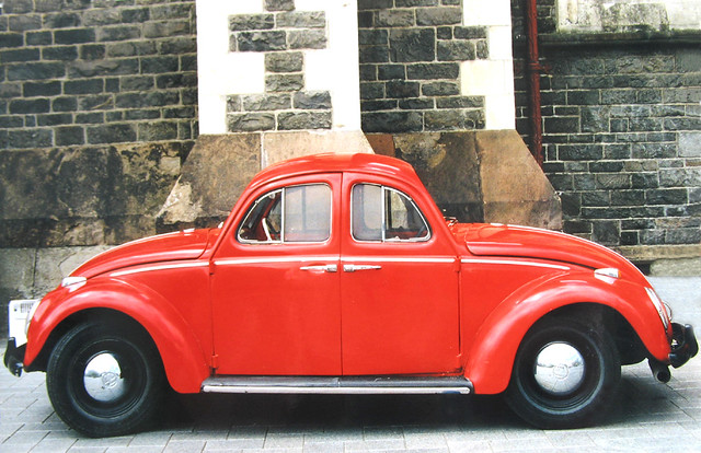 auto travel red newzealand christchurch vacation rot strange car vw bug volkswagen geotagged funny holidays 2000 wizard urlaub beetle canterbury nz southisland oldtimer 2008 vacanze neuseeland käfer christchurchcathedral cathedralsquare vwkäfer seltsam kaefer südinsel pkw spiegelreflex 100faves 50faves 10faves canterburynz viewonblack minoltaspiegelreflex batikart wizardofnewzealand wizardofchristchurch