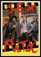 Sex Pistols 0135 (PostCardScan) Tags: punk postcard punkrock pil sidvicious anarchyintheuk stevejones holidaysinthesun johnnyrotten nancyspungen thesexpistols paulcook publicimageltd postcardscan johnlyndon