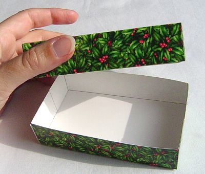 How to make a gift box from an old greeting card!