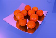 Mandarinen (habli) Tags: blue red orange colour contrast intense sony 100 blau alpha kontrast farbe mandarinen schale glastisch mandarines