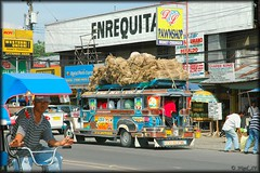 Fully laden jeepney in CDO (nigel_xf) Tags: nikon jeep philippines transport d70s nikond70s sa publictransport nigel jeepney cagayan mindanao philippinejeepney sabit philippinetransport nigelxf