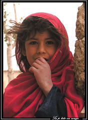 La petite en rouge (Laurent.Rappa) Tags: voyage unicef travel portrait people afghanistan face children child retrato afghan laurentr enfant ritratti ritratto regard peuple laurentrappa
