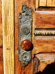 door patterns and textures (moocatmoocat) Tags: door philadelphia ad grain oc knob oldcity 338 aplusphoto