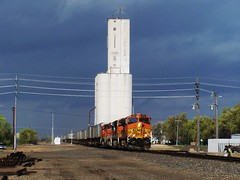 BNSF 4038 in Lamar, CO (sfhobo) Tags: cloud storm lines weather clouds warning track power elevator grain favorites cell trains super co kansas lamar thunderstorm storms thunder bnsf severe thunderstorms severeweather cumulonimbus z650 intermodal supercell rli kansasthunderstorm kansasthunderstorms