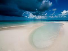 Playa paradisiaca! (Topyti) Tags: sea beach mare cuba playa natura beaches caribbean zuiko spiaggia spiagge caraibi 714mm cayolargodelsur isawyoufirst playaparadiso playasparadisiacas paradisebeaches