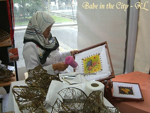 Batik painting - woman drying our master piece hehehe