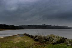 Le lac du Drennec juste après l'orage. (coralie le bian) Tags: lac drennec finistère bretagne 2017 canon 600d 18mm commana orage paysage landscape route road
