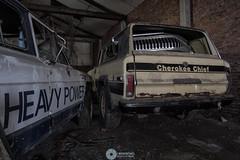 """""""Heavy powered cherokeesé (RomarioPhotography) Tags: urbex cherokee jeep nikon nikond7200 abandoned decay trashed tokina tokina1116"""
